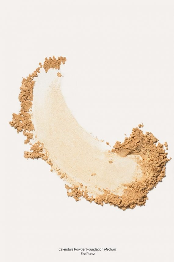 Ere Perez Calendula Powder Foundation puuterimainen meikkipohja – Medium