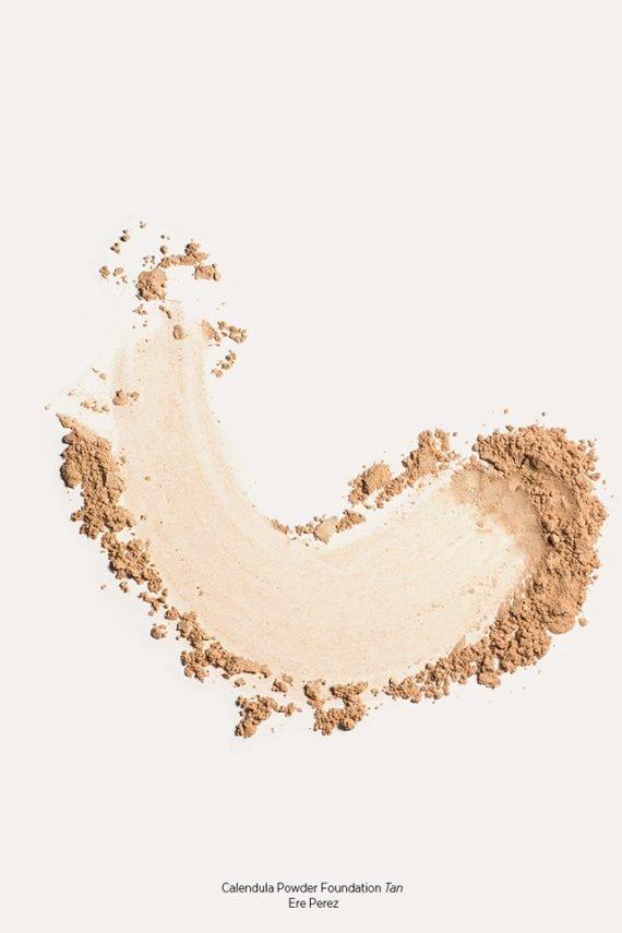 Ere Perez Calendula Powder Foundation puuterimainen meikkipohja – Tan