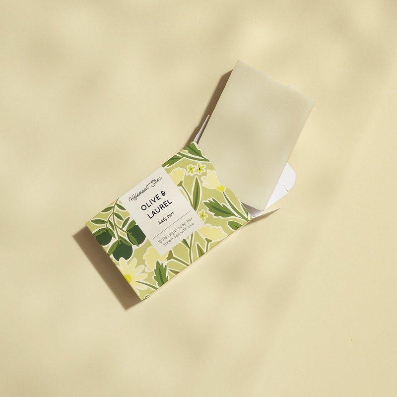 HelemaalShea Oliiviöljy saippua laakerinlehdillä hajusteeton luonnonkosmetiikka